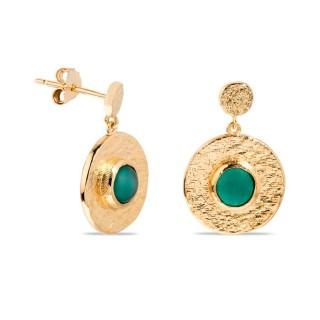 Pendientes bañados en oro de 3 micras con piedra verde en forma redonda