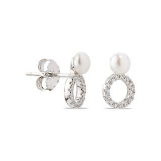 Brincos de prata em forma de círculo com pérola e zircônia