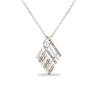 Collar de oro blanco en forma de cuadrado con diamante